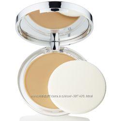 CLINIQUE Легкая компактная пудра с антиоксидант. Almost Powder Makeup SPF15