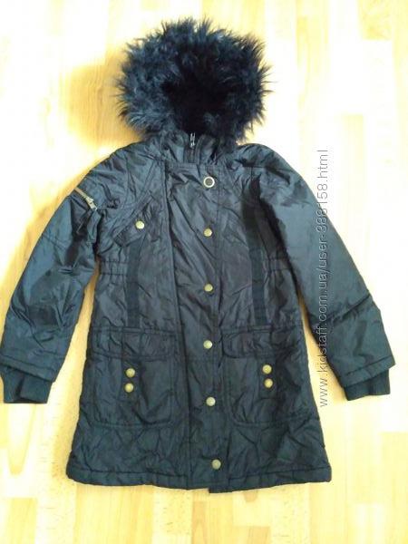 Пальто фирменное на 6-8 лет