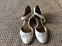 Классические босоножки-туфли Clarks, р. 39 39, 5