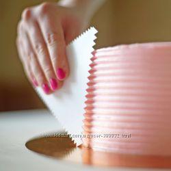 Скребок-шпатель кондитерский зубчатый для торта