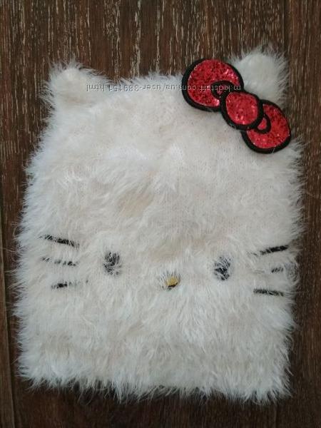 Шапка Hello Kitty на девочку 3-5 лет