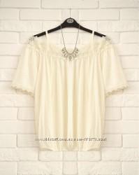 Очень красивая блуза с кружевом и открытыми плечами F&F UK14 новая