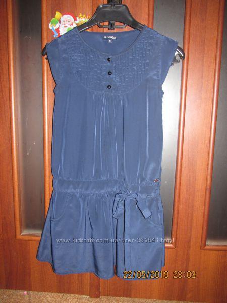 Легенькое фирменное платье на девочку 8-9 лет