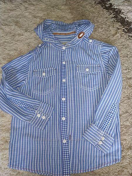 Рубашка Next на 7 лет, рост 122 см, с капюшоном.