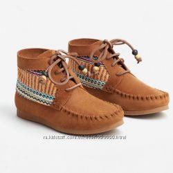 Детские демисезонные ботиночки Mango