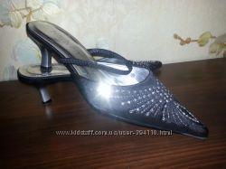 Очень нарядные туфли-босоножки, р. 35-36, отл. качество и состояние