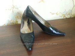 Туфли черные 36 р. стелька 23, 5 см