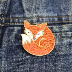 Лиса, лисичка, брошка или магнит из дерева