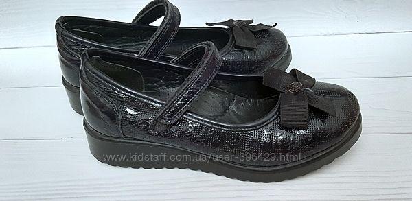 Школьные туфли Azra кожаные