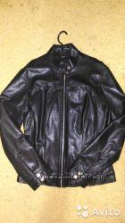 кожаная курточка  р. 44-46 в отлич. состоянии