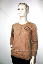 Тонкий стильный свитер с аппликацией Франция