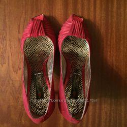 Туфли шикарные красные Италия 36р.