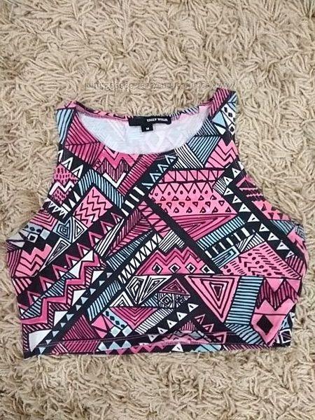 Продам короткую футболку разноцвет