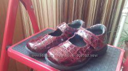Лаковые нарядные туфельки босоножки 28 р. Pablosky