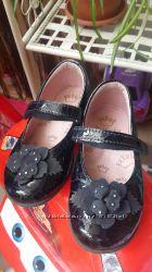 Босоножки туфельки 25 р. лаковая кожа для девочки Pablosky
