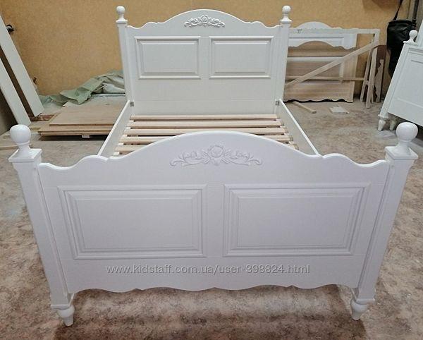 Красивая кровать в стиле прованс, натур дерево.