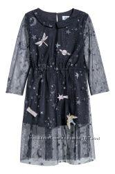 H&M.  Очень красивое платье. Размер 5-6