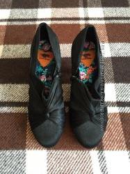 Черные нарядные туфли на каблуке. rocketdog. р. 40
