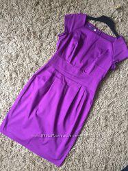 Яркое фиолетовое платье-футляр oodji с коротким рукавом. миди. р. 46