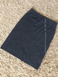 Красивая офисная юбка-миди в косую полоску. h&m. р. l. на наш 46-50