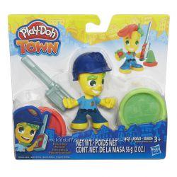 Набор пластилина Play-Doh Town Город Фигурки - Полицейский B5979