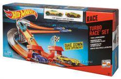 Трек хот вилс Turbo Race Set  с 2 автомобилями Hot whttls mattel fpv64
