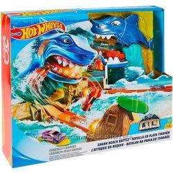 Трек Хот Вилс Схватка с акулой Mattel Hot Wheels Fnb21