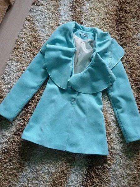 Женское пальто мятного цвета