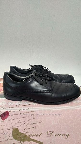 Школьные туфли Walkid 38 р. по стельке 24,5см.