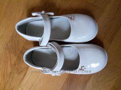 Нарядные туфельки практически новые 17, 5см