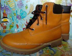 Модные яркие кожаные ботинки на ногу 23см