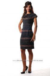 Жаккардовое платье с воротником хомут