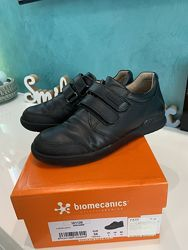 Школьные туфли на мальчика Biomechanics, 34 размер