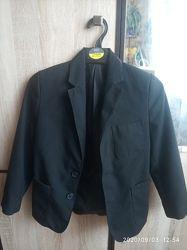 Черный пиджак, р.7-8 Marks&Spencer