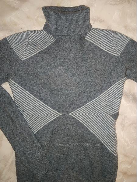 Теплый свитер Benetton