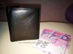 Чоловічий шкіряний гаманець на магніті