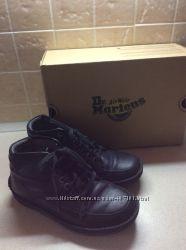 Демисезонные ботинки на парня 39р-р Dr. Martens