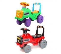 Машинка каталка толкатель толокар Трактор с бардачком и пищалкой