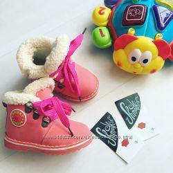 Яркие тёплые зимние ботиночки для девочек