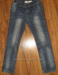 джинсы на мальчика 5-7 л.