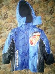 Куртка новая Disney размер 6