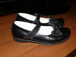 Кожаные школьные туфельки