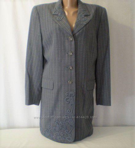 Роскошный удлиненный пиджак пальто с кружевом.