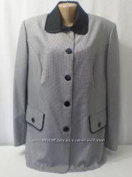 Легкий летний элегантный пиджак для статной дамы