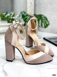 Красивые туфли из натурального замша и кожи с ремешком вокруг щиколотки