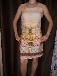 Красивое, нарядное платье фирмы Solo