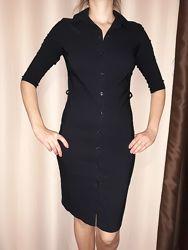 Чёрное платье на пуговках