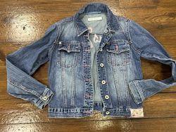 Продам джинсовую куртку б/у