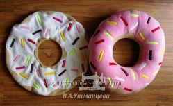 Подушка-пончик, ручная работа