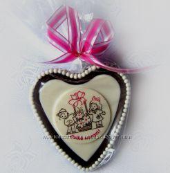 Шоколадные медали и диски, сердечки для Мамочек.